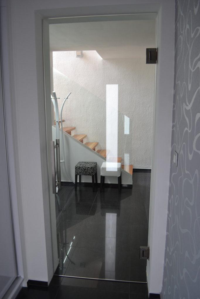 sas glass celosklenene dvere kyvne znojmo